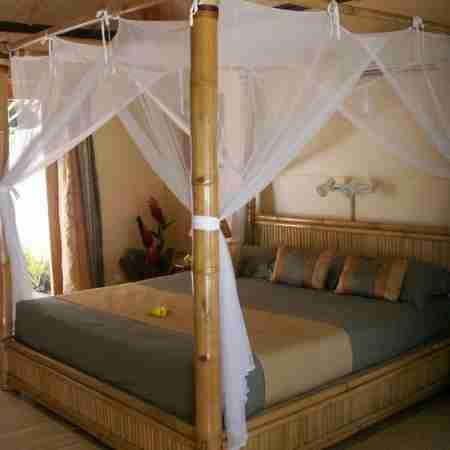 Кровать из массива сосны КМ-1.2ПМ