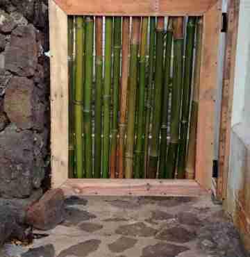 Бамбуковая дверь