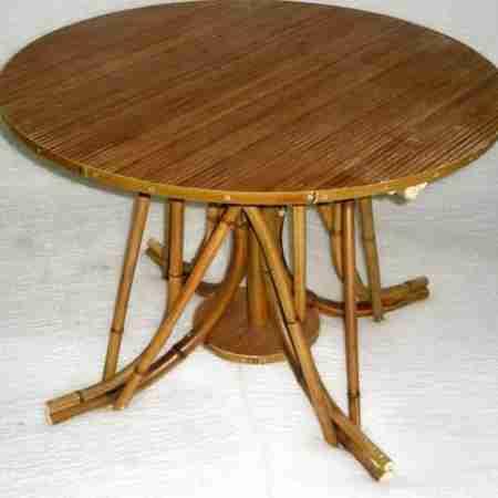Журнальный стол из бамбука 1