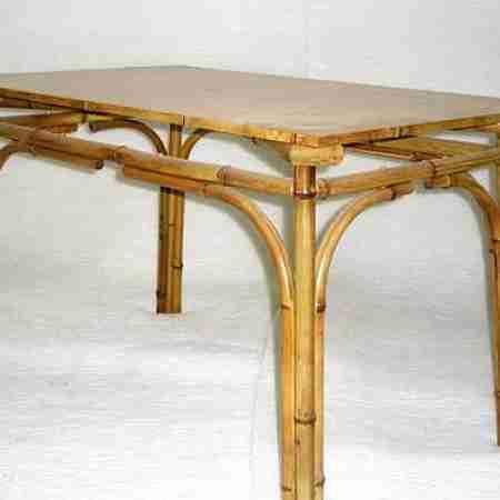 Стол из бамбука №2