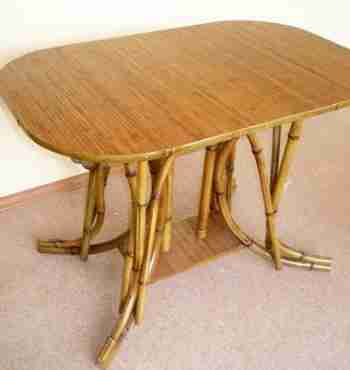 Стол из бамбука