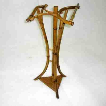 Прикроватная вешалка из бамбука